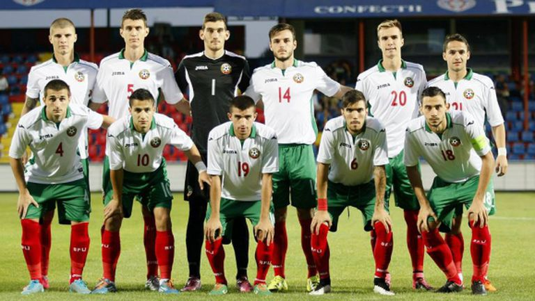"""Най-после радост за България - """"лъвчетата"""" се разправиха с Румъния в евроквалификация (видео)"""