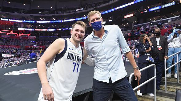 Дирк Новицки се завръща в НБА