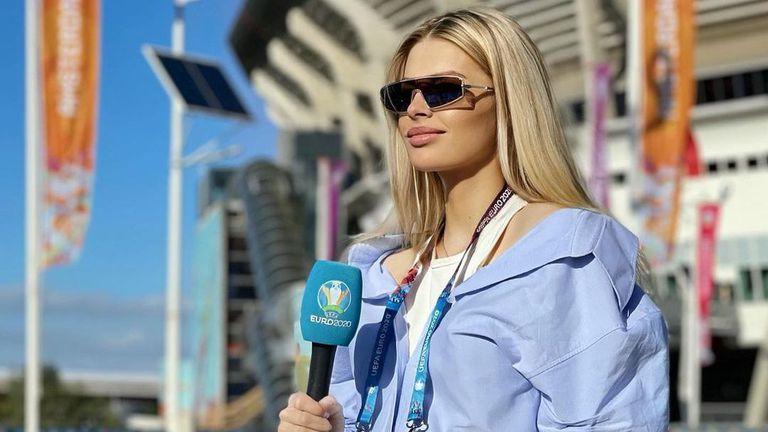 Украинска журналистка подкрепя мъжа си и се труди зад микрофона на европейското