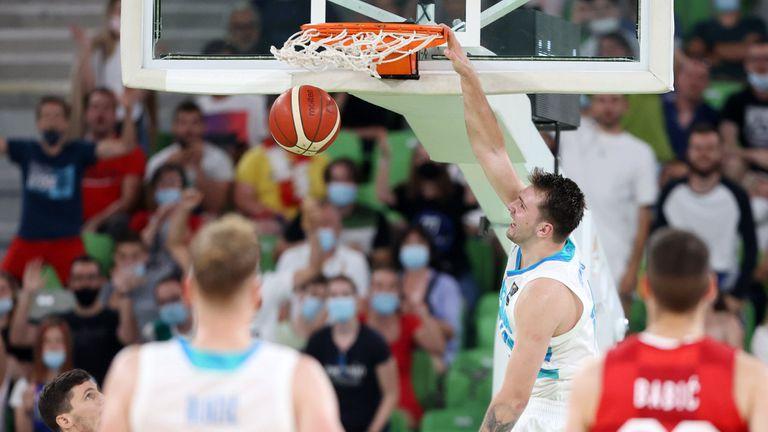 Лука Дончич блести при завръщането си за Словения, Хезоня му отговори подобаващо