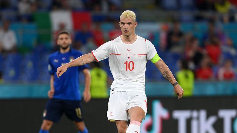 Джака настоява Арсенал да приеме офертата на Рома