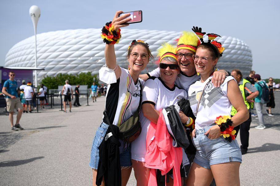 Феновете на Португалия - Германия