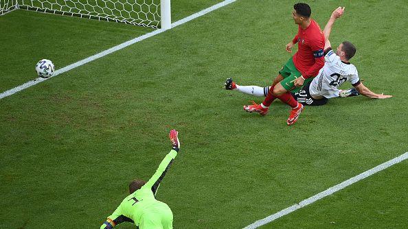 Роналдо започна и завърши с гол контра на Португалия срещу Германия