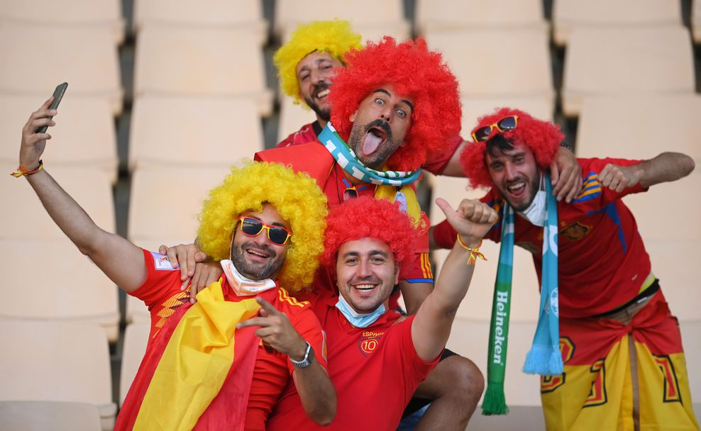 Феновете на Испания - Полша