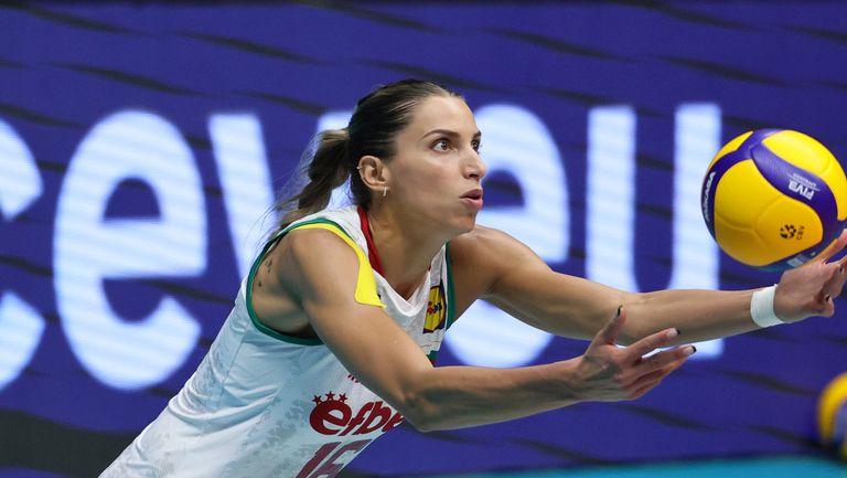 Елица Василева: Това е хубава тренировка за утрешния мач! Едва сдържахме сълзите си на химна