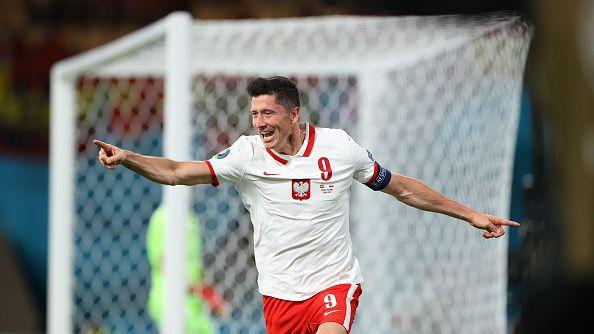 Левандовски се отпуши и изравни за Полша срещу Испания