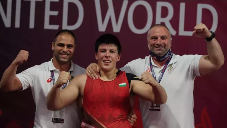 Двама българи продължават на репешажите на световното първенство по борба за кадети в Будапеща