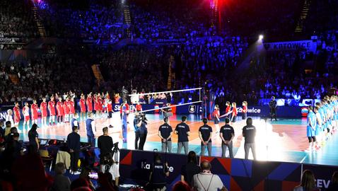 И това не помогна: Поляците объркаха химна на Словения на полуфинала 🏐