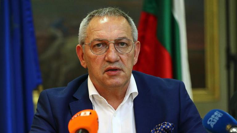 Спортният министър: Разследват се 14 договора за 11.5 млн., преведени авансово