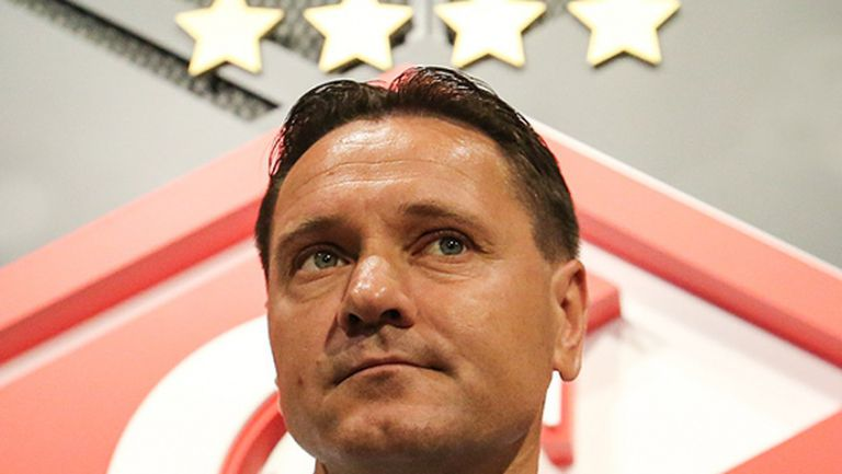 Треньорът на Попето отрече за скандал в щаба