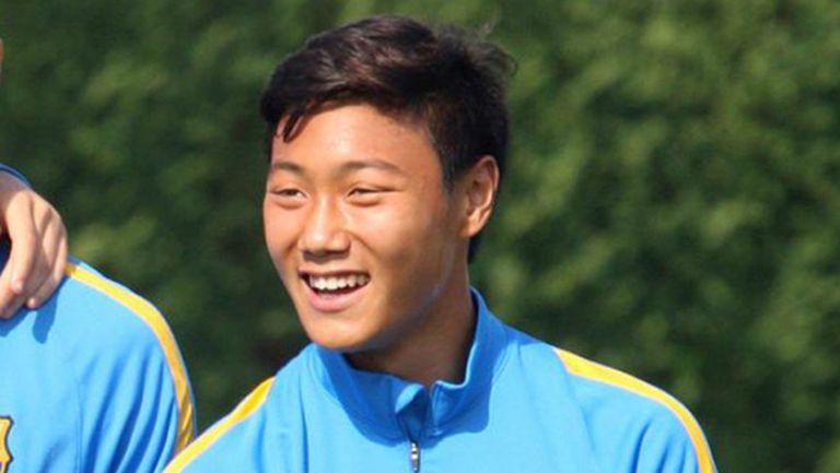 Дамгосан от ФИФА кореец вече тренира с Барса