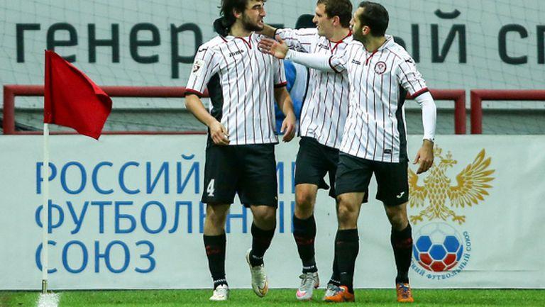 Амкар се разплати с футболистите
