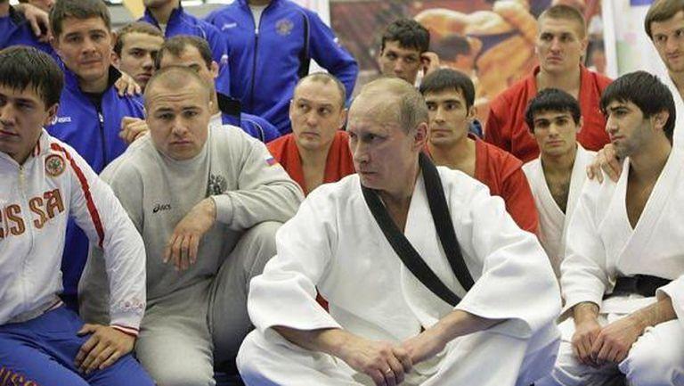 Владимир Путин на тренировка с националите на Русия по джудо и самбо