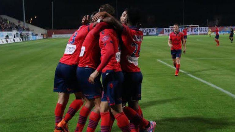 Газелек Аячо отново изненадва из Франция