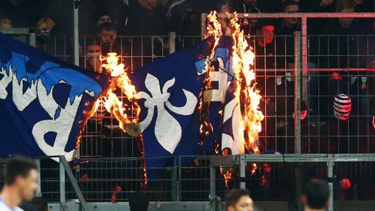 Полицията предотврати бой между фенове след мач от Бундеслигата