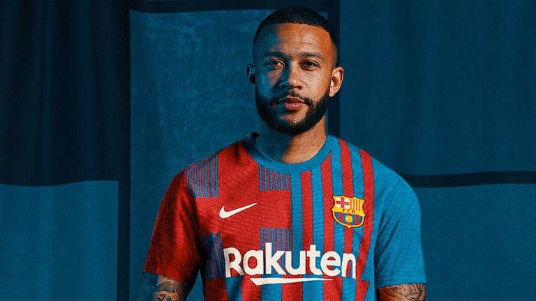 Депай с първи думи като играч на Барселона