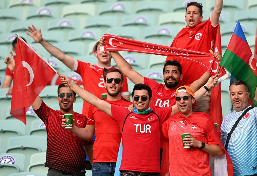 Феновете на Швейцария - Турция