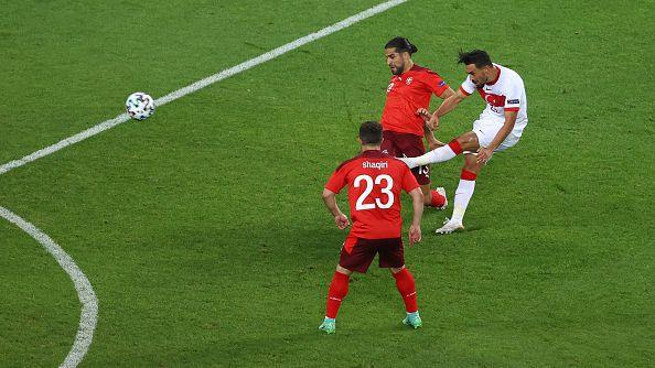 Кахведжи намали изоставането на Турция срещу Швейцария с невероятно изпълнение