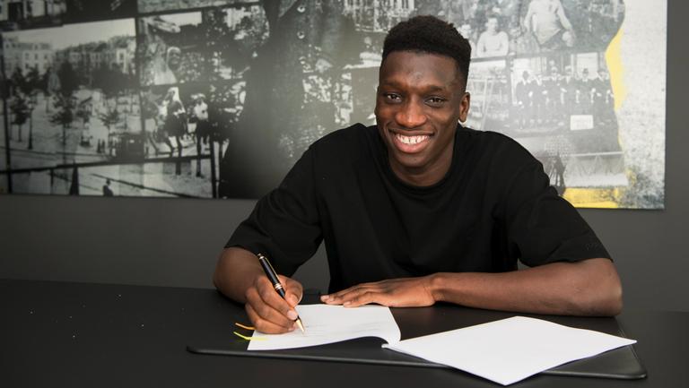 Дортмунд подписа с талант, който тренираше редом до Неймар и Мбапе
