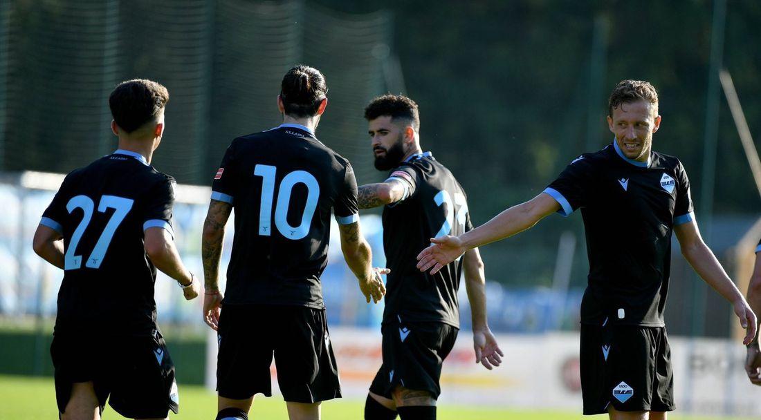 Лацио вкара 11 в първата си контрола