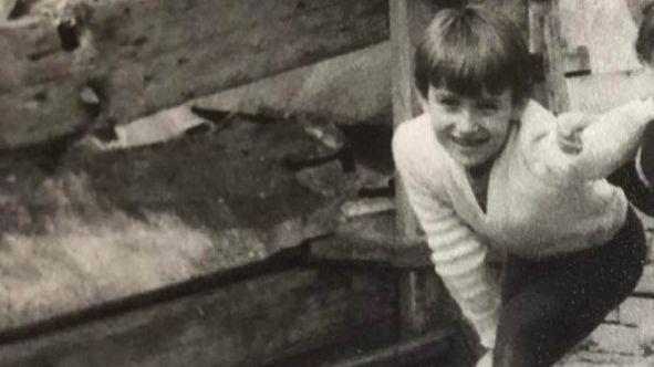 Камбуров показа снимка от детството си