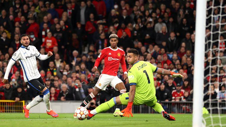 Манчестър Юнайтед 2:2 Аталанта, капитанът на домакините изравни