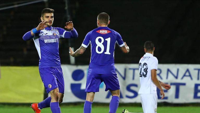 Преслав Боруков покачи резултата на 2:0 в полза на Етър