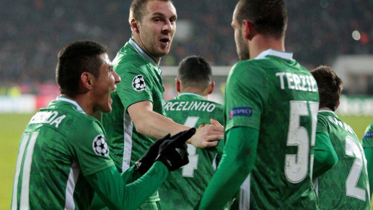 """Сокачев и Делов """"полудяха"""" и срещу Ливърпул"""