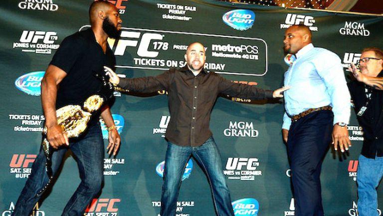 Свадата между Джон Джоунс и Дейниъл Кормие в UFC (ВИДЕО + СНИМКИ)