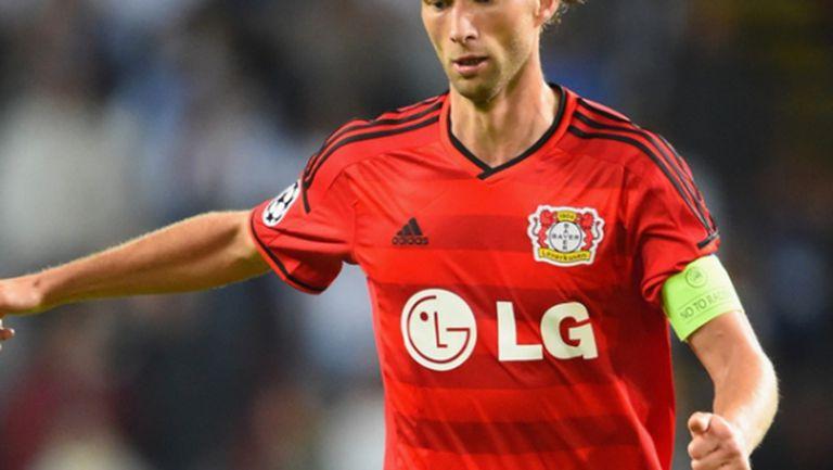Капитанът на Леверкузен спира с футбола в края на сезона