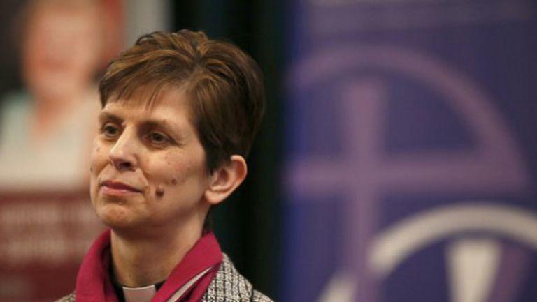 Първата жена-епископ в Англия е фен на Ман Юнaйтед