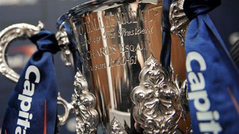 Ливърпул срещу Челси е гвоздеят на полуфиналите за Купата на лигата