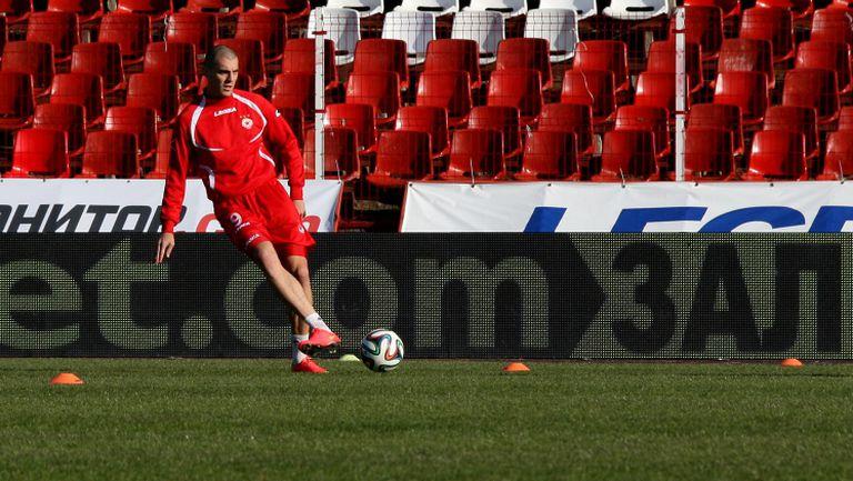 Сълзи в очите на Николич, след загубата от Локомотив (София)