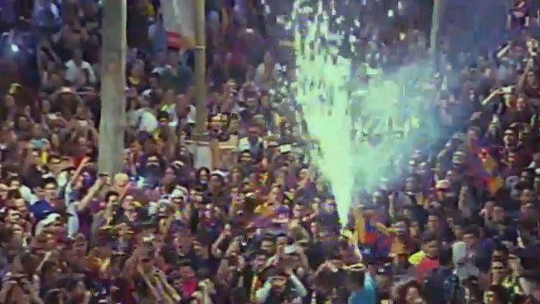 Лудница в центъра на столицата на Каталуния - феновете на Барса в див екстаз