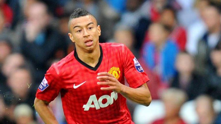 Манчестър Юнайтед взе защитник на Болтън, изпрати Лингард в Дарби Каунти