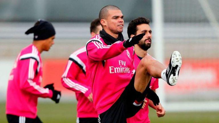 Реал Мадрид приветства Пепе обратно