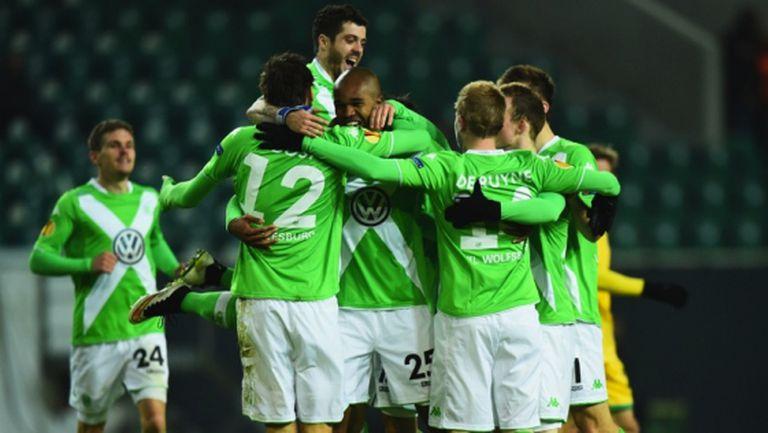 Дост наниза 6 гола за 6 дни, Волфсбург гледа напред (видео)