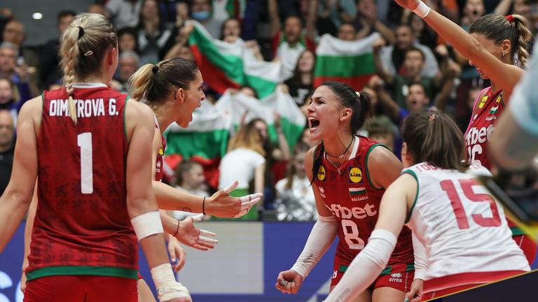 2500 зрители видяха триумфа на българските волейболистки в Русе