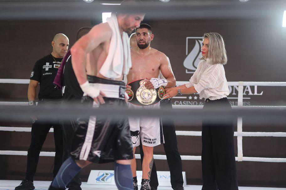 Йосиф Панов надви Ангел Емилов за шампионския пояс на България