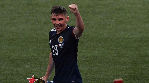 Младата звезда на Шотландия е с коронавирус
