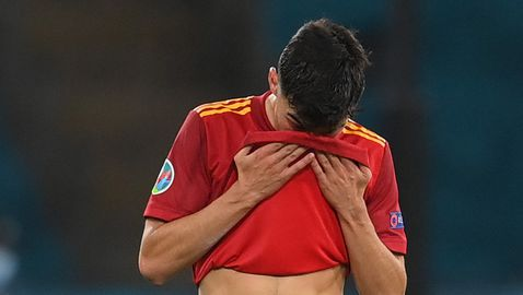 Испанците са ужасяващи, дано да се паднем с тях, пожела си бивш национал на Нидерландия