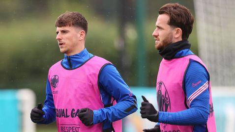 Отделиха двама от националния тим на Англия за всеки случай