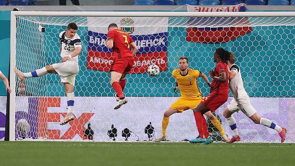 Белгия най-после поведе на Финландия, Храдецки се оказа грешник, забивайки си автогол