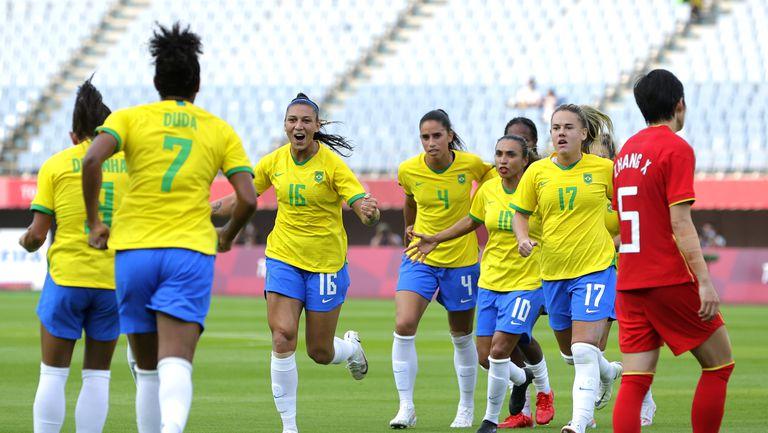 Бразилките започнаха футболния турнир с разгром и два рекорда