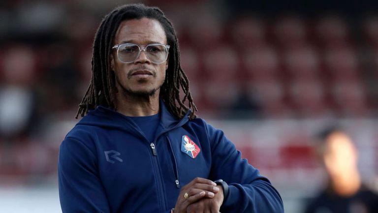 Давидс уволнен от португалски клуб