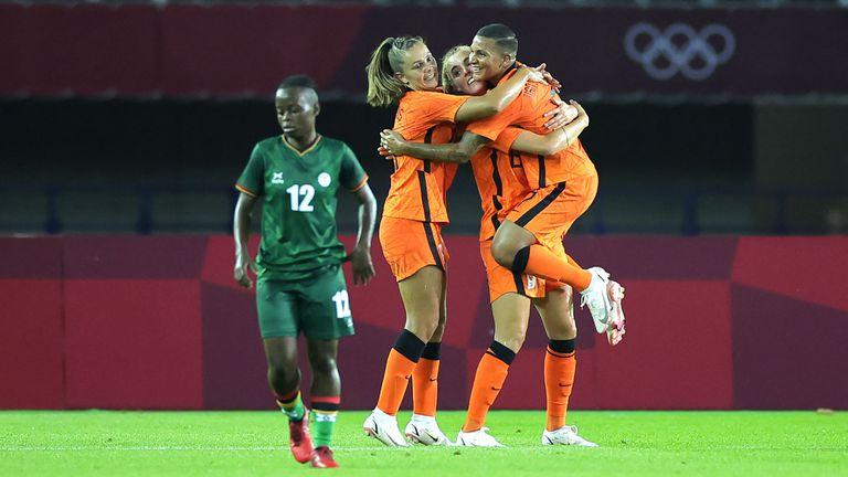Нидерландия опустоши Замбия с рекордна победа в мач с 13 гола, един от тях е с българска следа