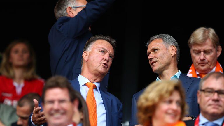 Ван Гаал се завръща начело на Нидерландия