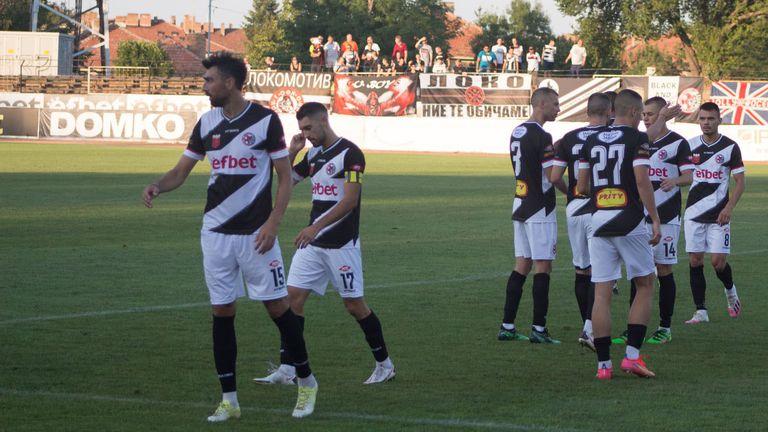 Локомотив (ГО) остана на върха след 3:0 в Свищов