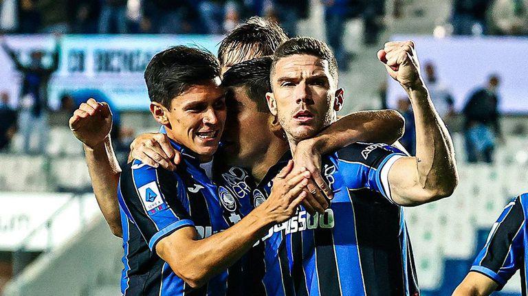 Аталанта подгони лидерите в Серия А