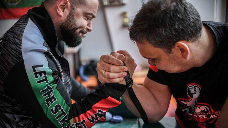 Канадската борба в България с интересна идея за популяризирането на спорта